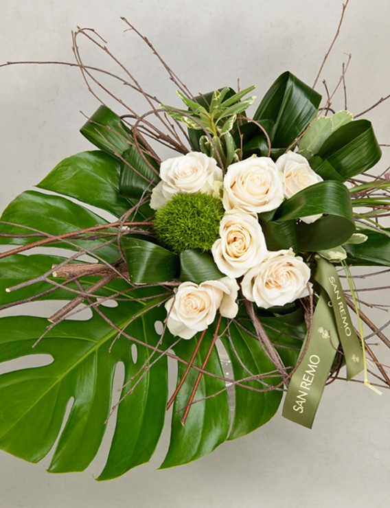 SAUVAGE BOUQUET WITH 6 CREAM ROSES