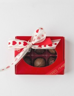CHOCOLATE LOVER'S  6 PC. BOX
