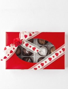 CHOCOLATE LOVER'S 12 PC. BOX